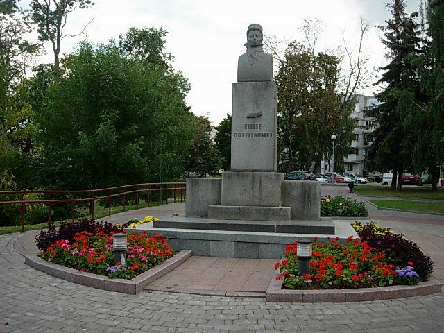 Цена на памятники в гродно в январе 2018 где заказать овал на памятник